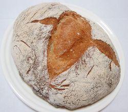 石臼挽き粉のパン